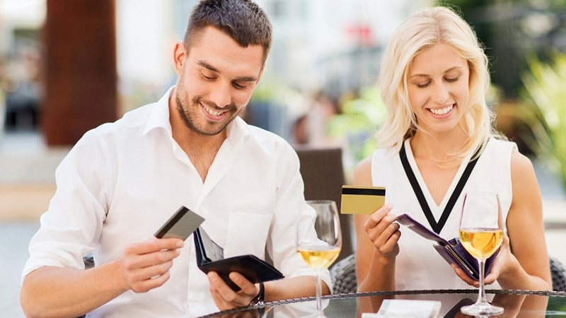 paying on a date