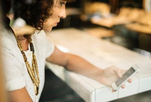 woman-online