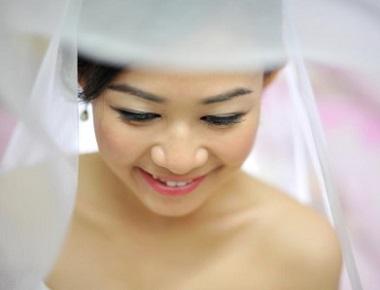 beautiful cambodian bride